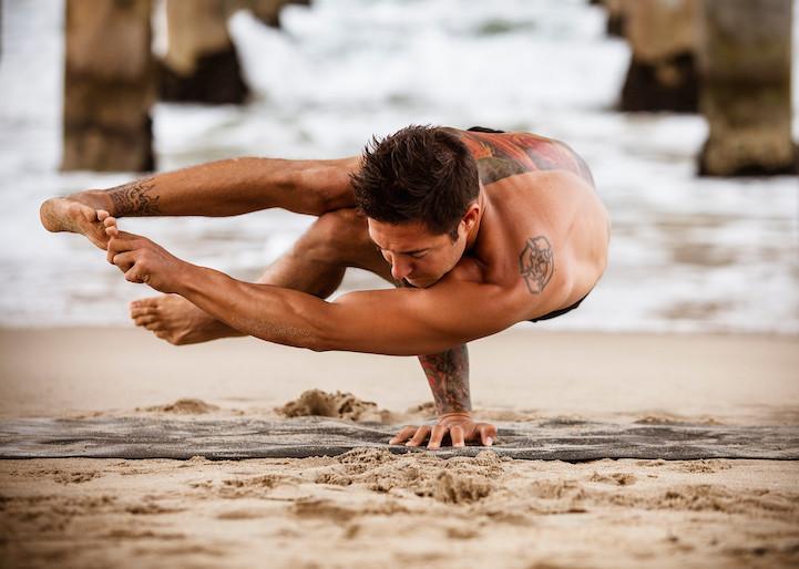 masculine-yoga-men-3