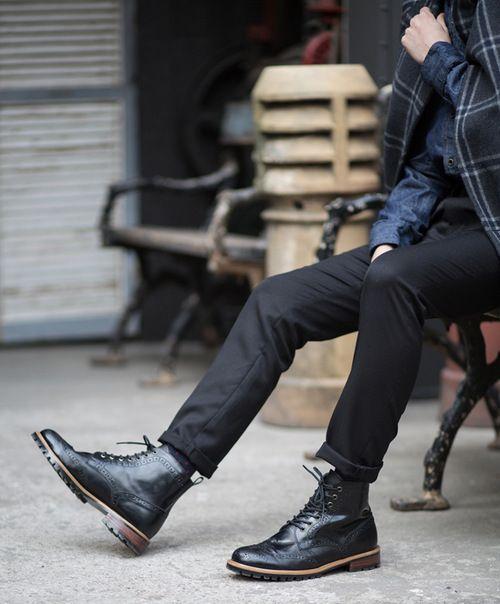 how to wear sneaker boot man