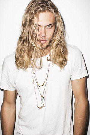 Mann lange haare modell