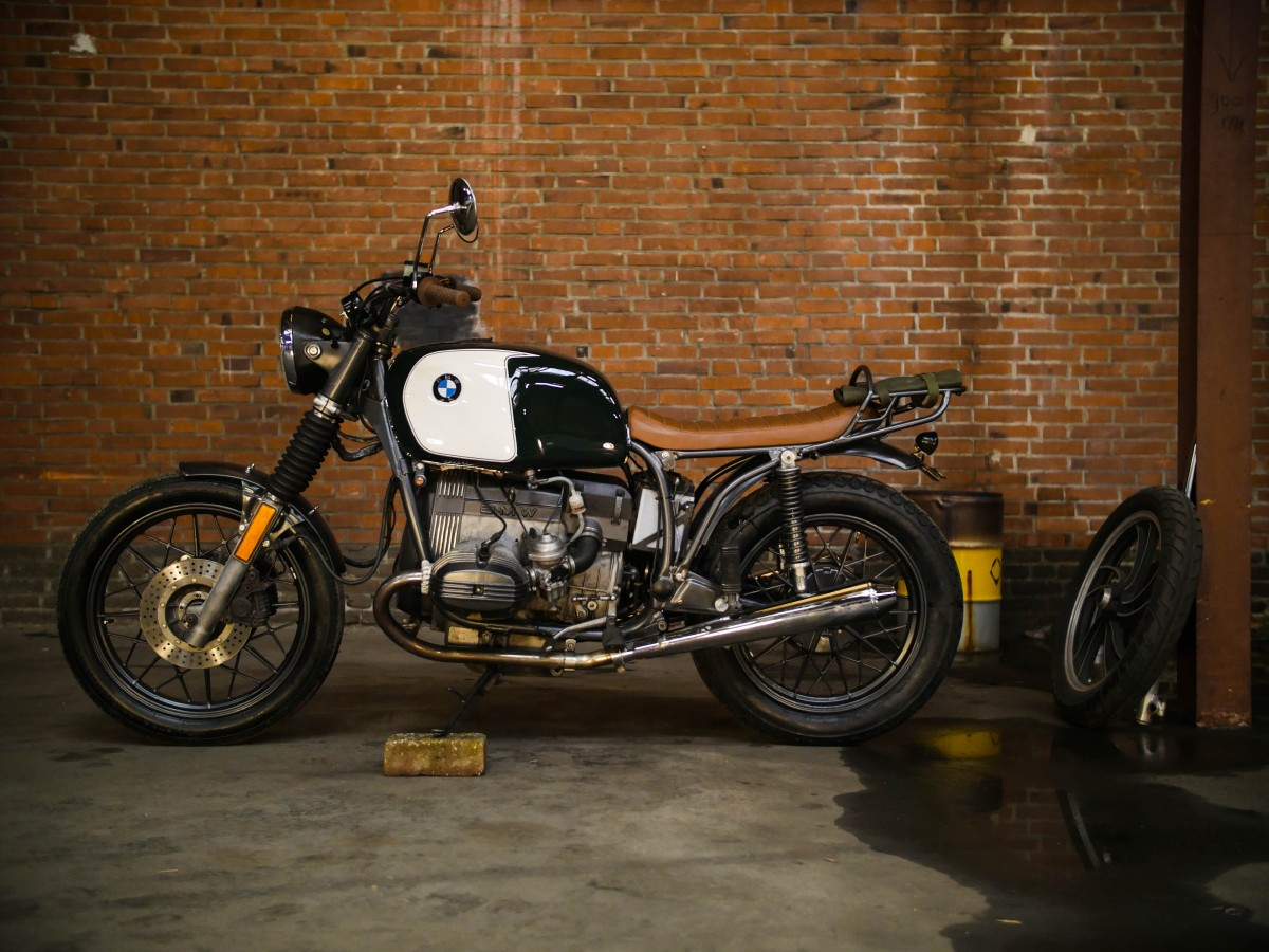 Moto_Adonis_BMW