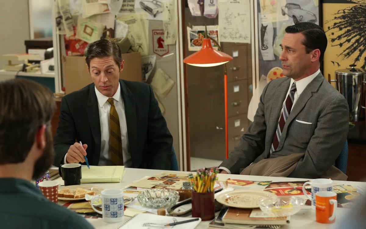 man man messy desk