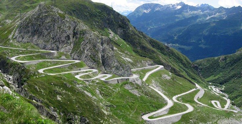 man man alpen route auto's