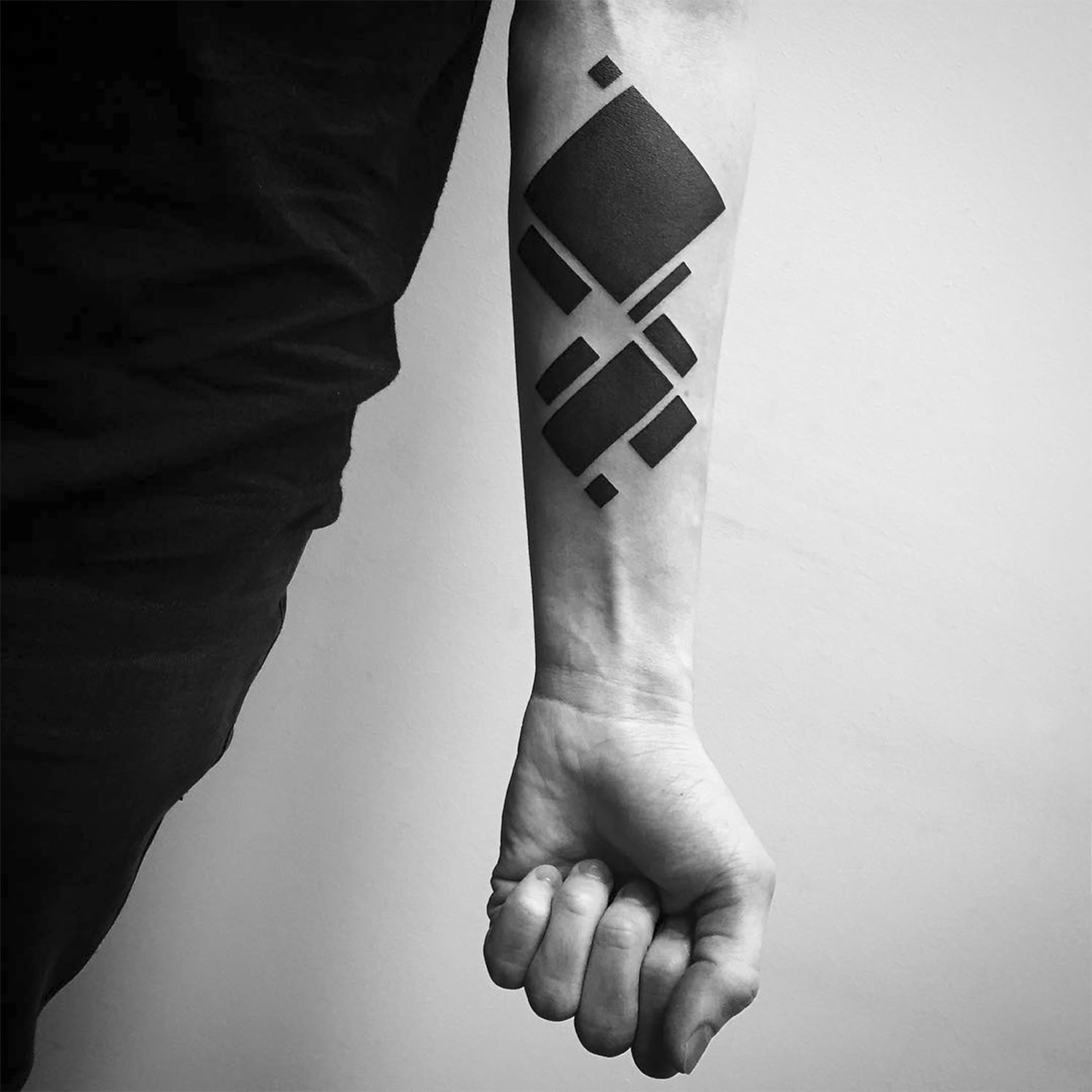 abstract tattoo zwart inkt MAN MAN