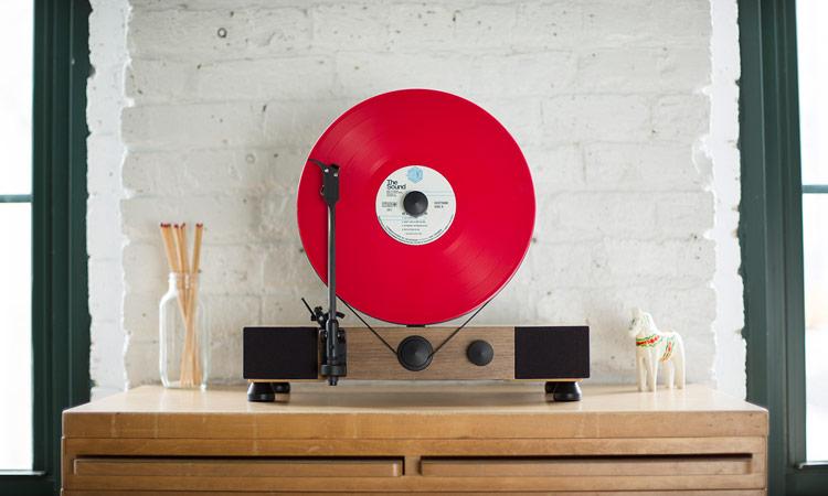 rode plaat-platenspeler-heren-interieur-levensjaar-MAN MAN