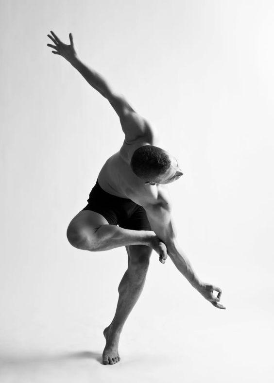 Yoga rek en strek oefeningen sporter jonger uit te zien MAN MAN