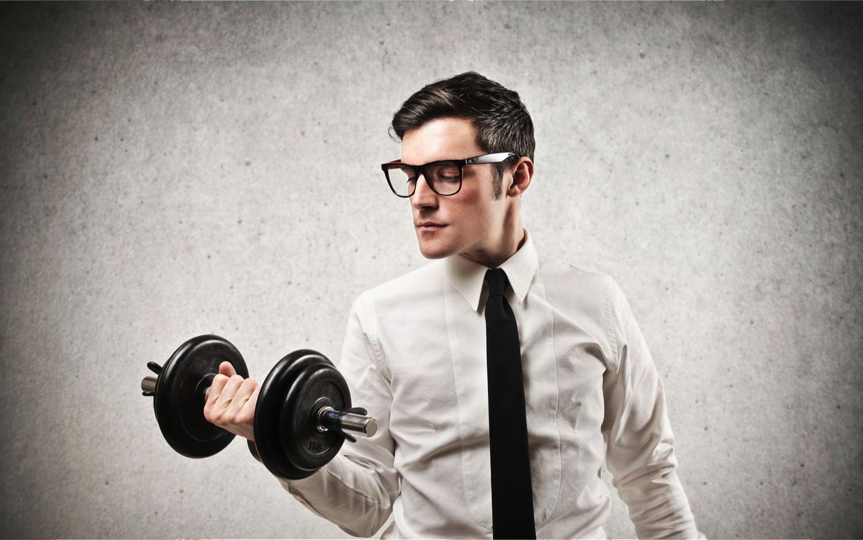 bedrijfskorting fitness man man geld besparen slimme manier geld omgaan