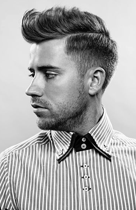 Herenkapsels met een opscheer kapper baber barbershop knippen haircut MAN MAN