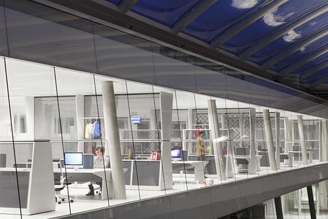 Adidas bavaria kantoor kantoren vetste man man 1
