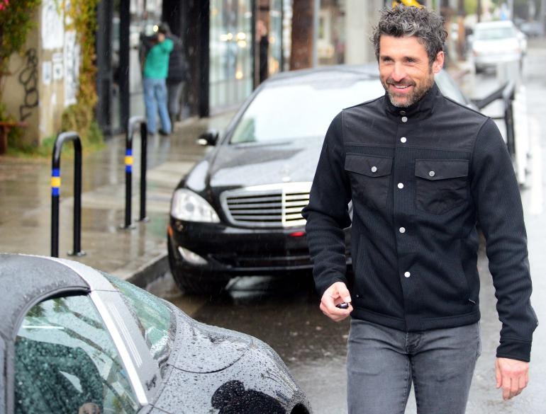 Grijs haar-patrick Dempsey-zwarte jas-field jacket-MAN MAN