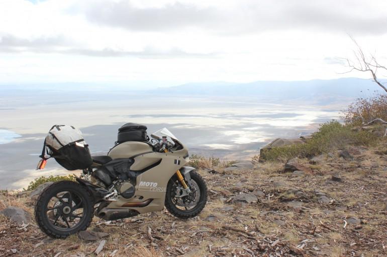 offroad Ducati-Ducati-119 Panigale S-offroad-motor-snelheid-MAN MAN