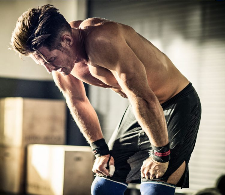 Man trainen-workout-trainen in de sportschool-MAN MAN
