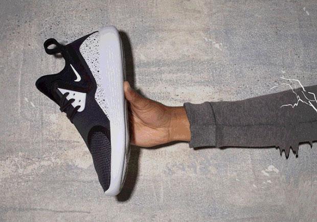 Nike lunarcharge man man sneakers 1