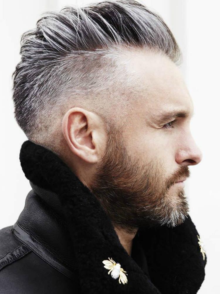 Pompadour met mid fade-grijs haar-lammy coat-baard-MAN MAN
