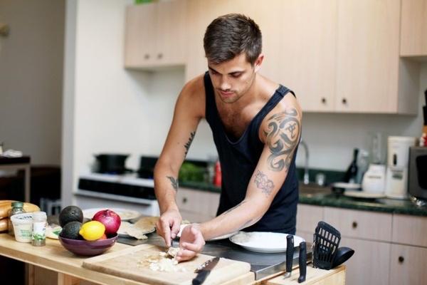 kookt koken man voornuis keuken alternatief date uiteten