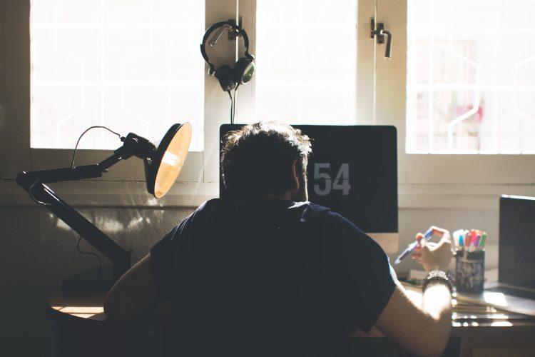 carrière keuzes-apple-macbook-bureau-werken