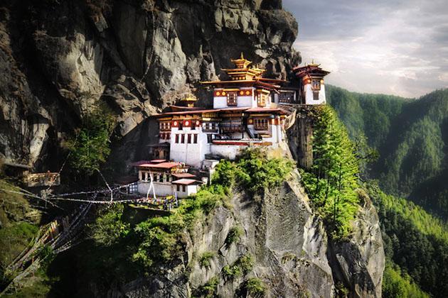 tempels-indrukwekkend-bhutan-MAN MAN