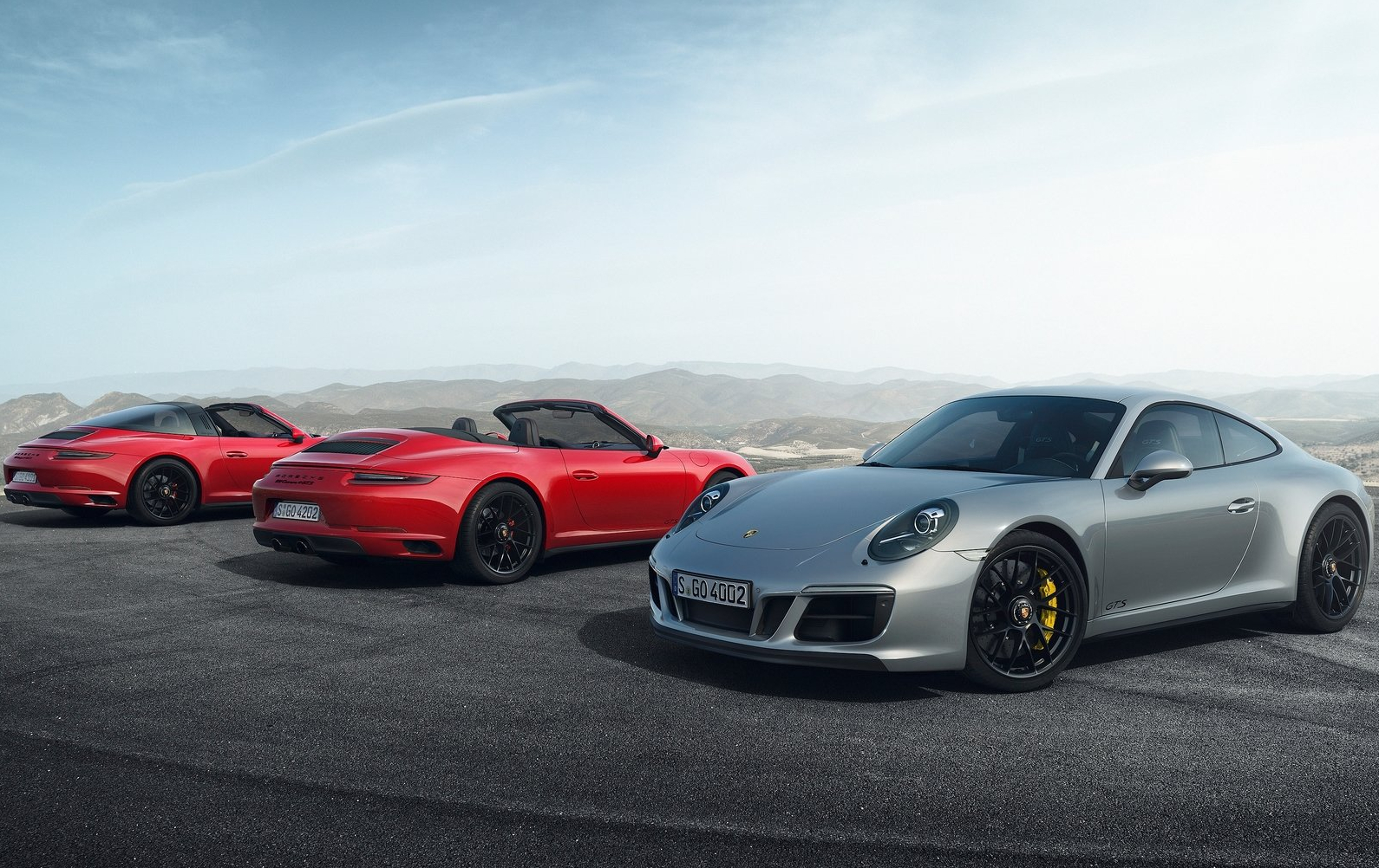 Porsche 911 carrera gts man man 3
