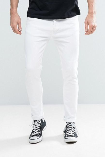 een witte broek in de winter rocken doe je zo | man man