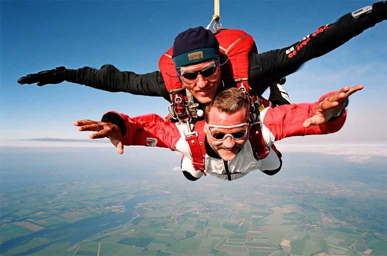parachutesprong tandemsprong man man