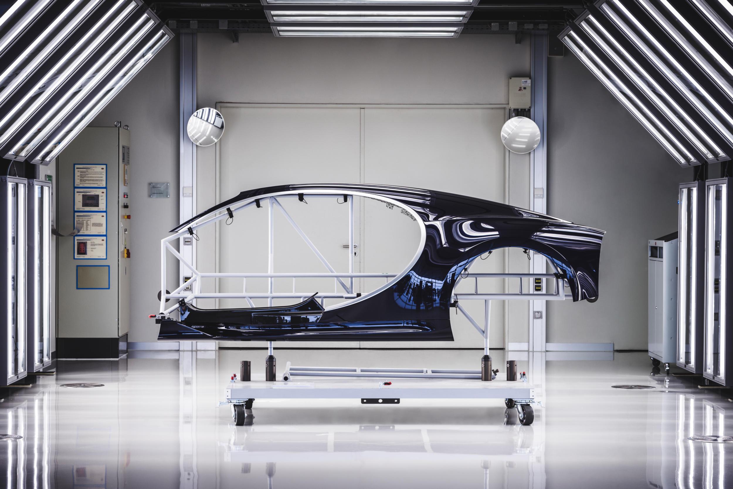 Bugatti chiron fabriek MAN MAN 9
