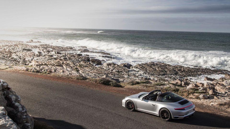 Porsche 911 targa man man 2