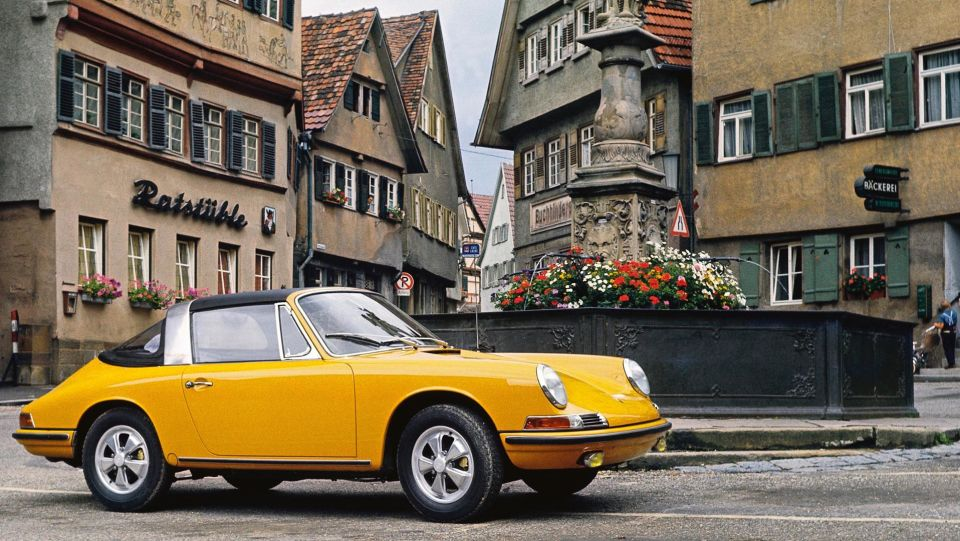Porsche 911 targa man man 3