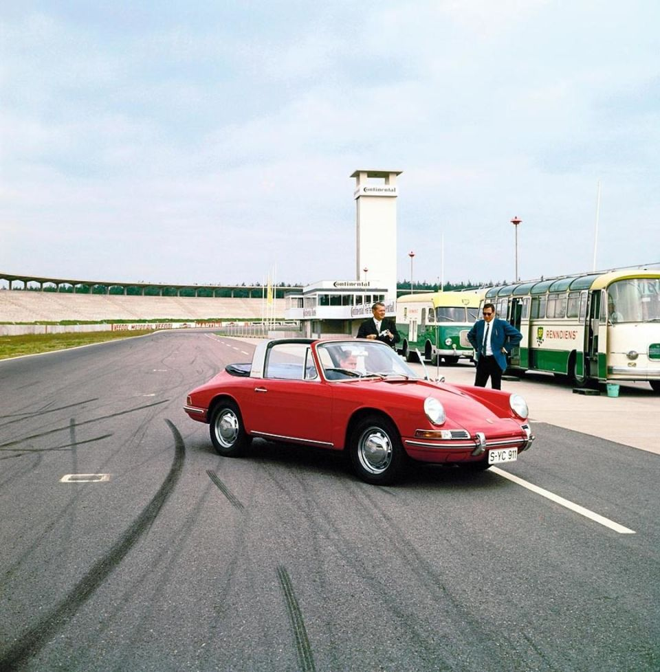 Porsche 911 targa man man 7