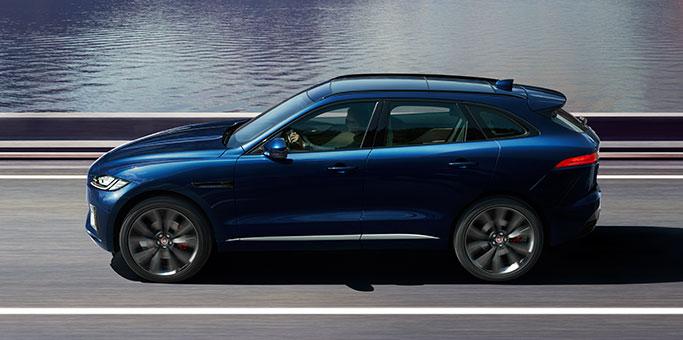 Jaguar f pace is verkozen tot de beste n mooiste auto ter for Interieur jaguar e pace