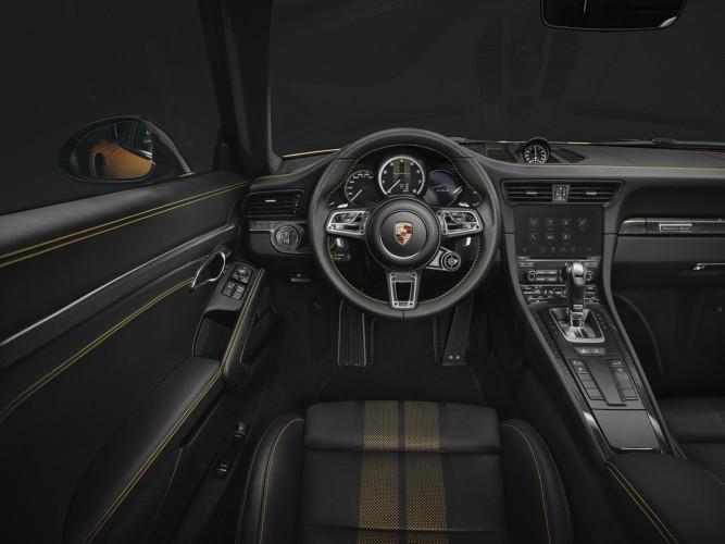 porsche-911-turbo-s-exclusive-series-man man 5