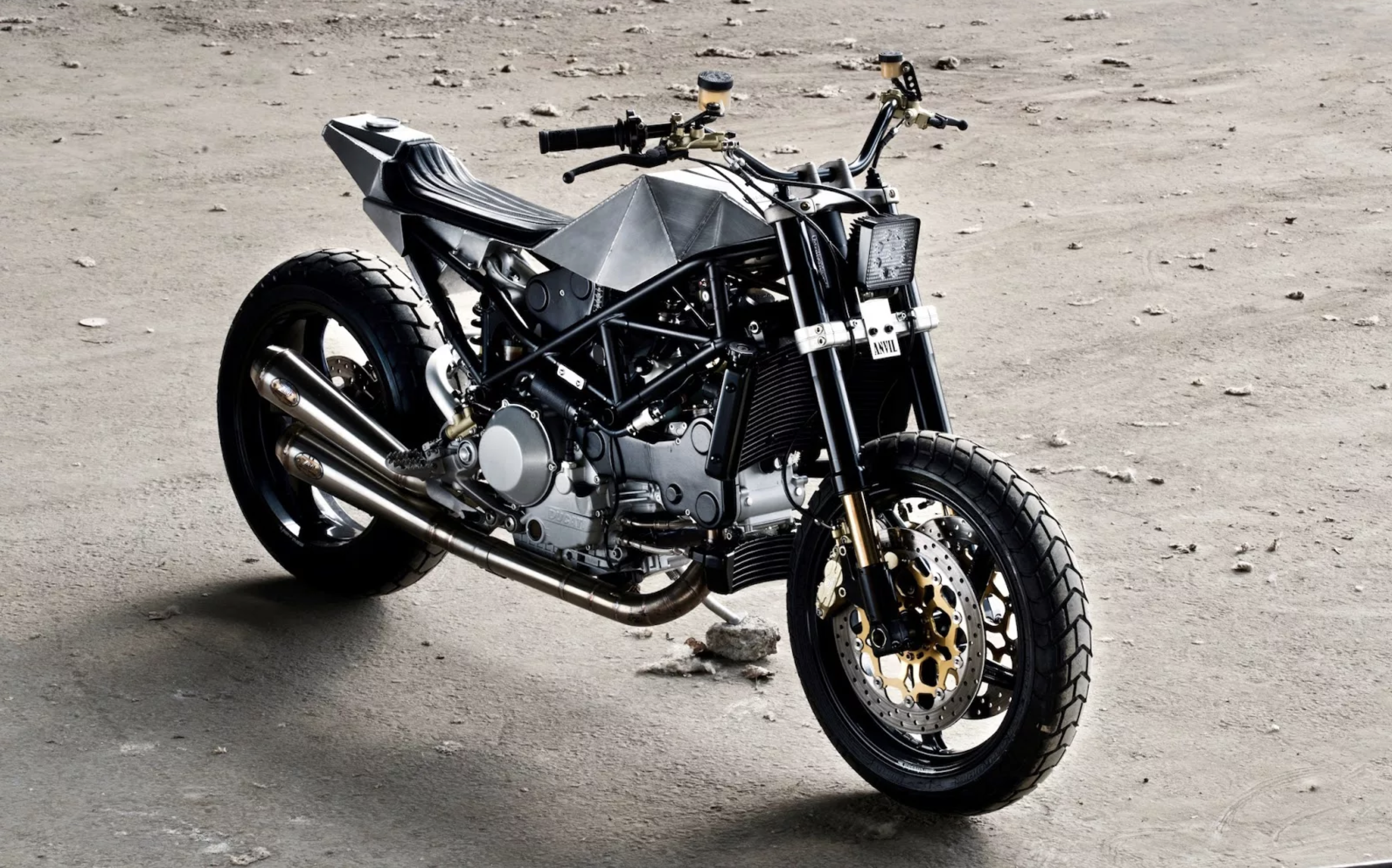 Ducati S4R Tracker Anvil Motociclette The Warthog MAN-MAN 19
