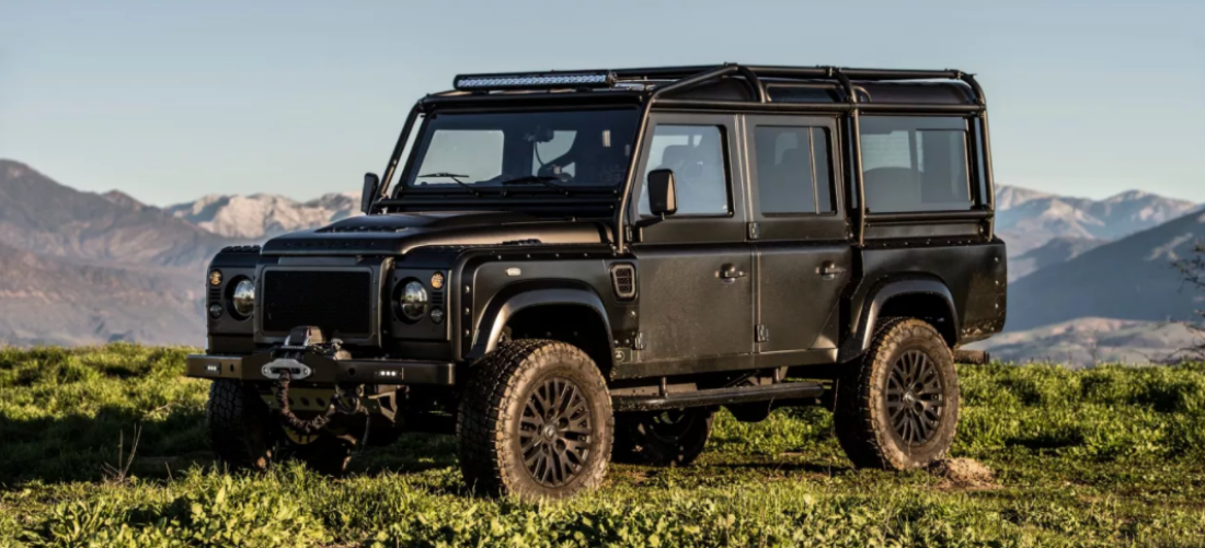 East Coast Diesel >> Een waar off-road monster: All-black Land Rover Defender | MAN MAN