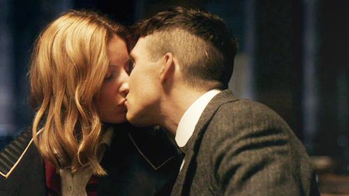 kussen eerste date MAN MAN