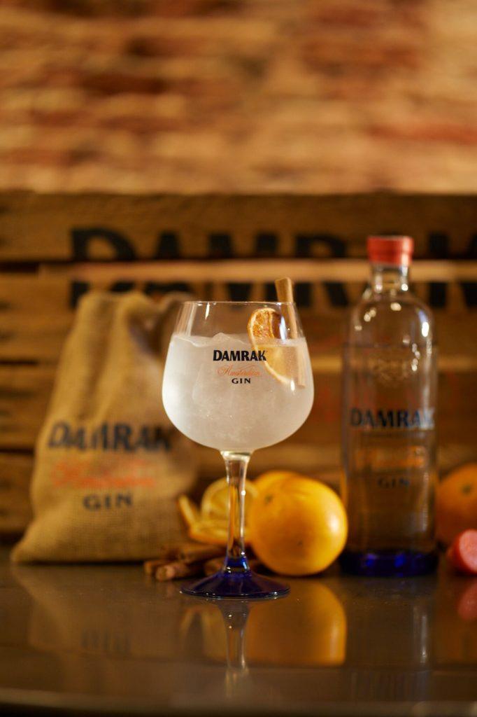 met deze vijf recepten zet je de lekkerste gin tonic op. Black Bedroom Furniture Sets. Home Design Ideas