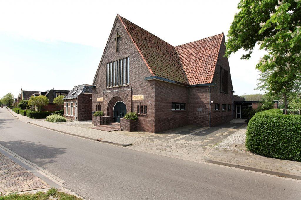 wonen in een kerk in oudebildtzijl friesland MAN-MAN