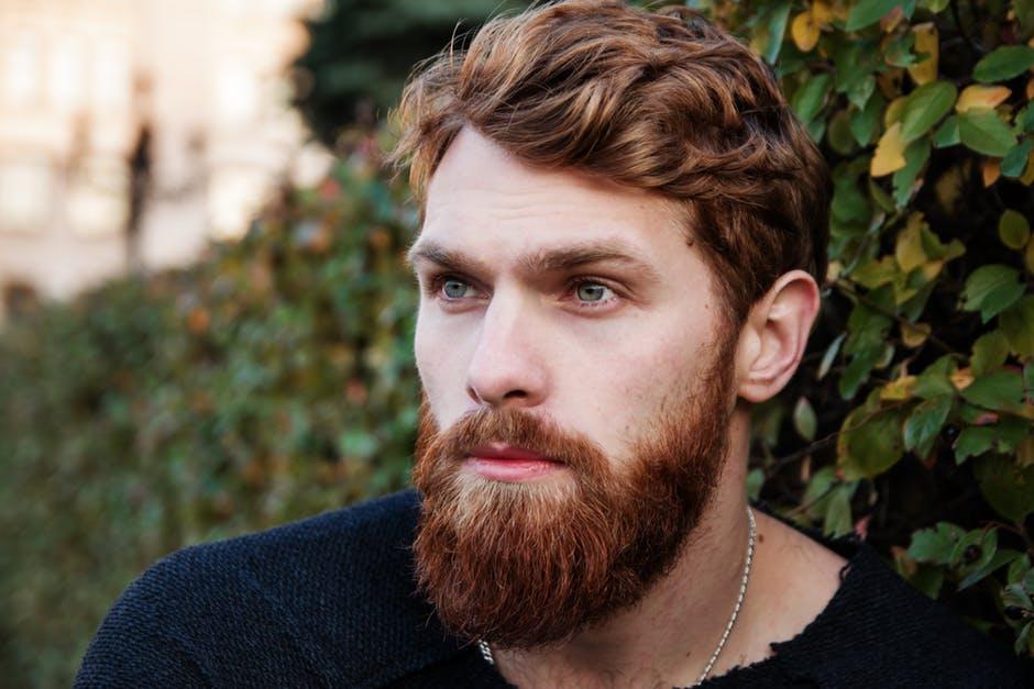 beard guide: de stappen tot het groeien van een mooiere baard | man man