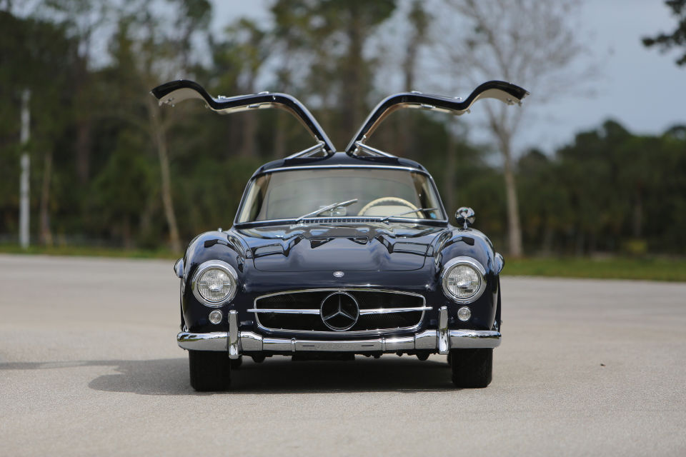 Mercedes Gullwing MAN MAN 4