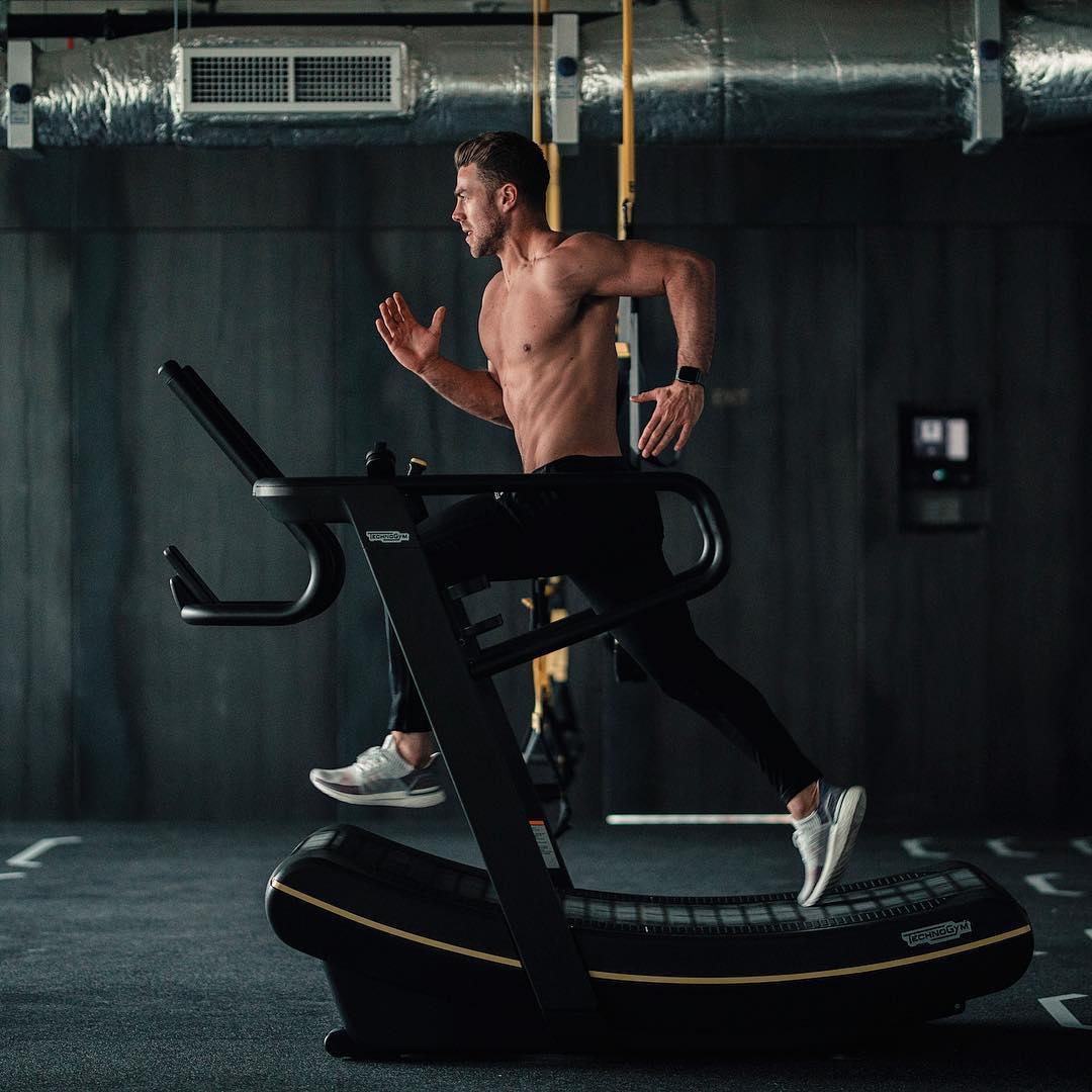 Sixpack workout: Zo krijg jij buikspieren zonder sit-ups MAN MAN