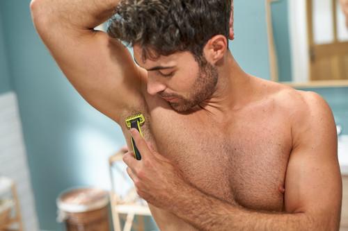 okselhaar scheren trimmen lichaamshaar