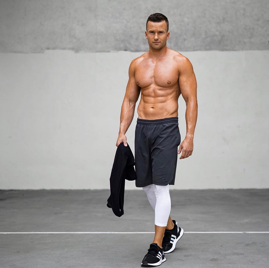 Het verschil tussen isolatie en compound oefeningen voor spiergroei MAN MAN