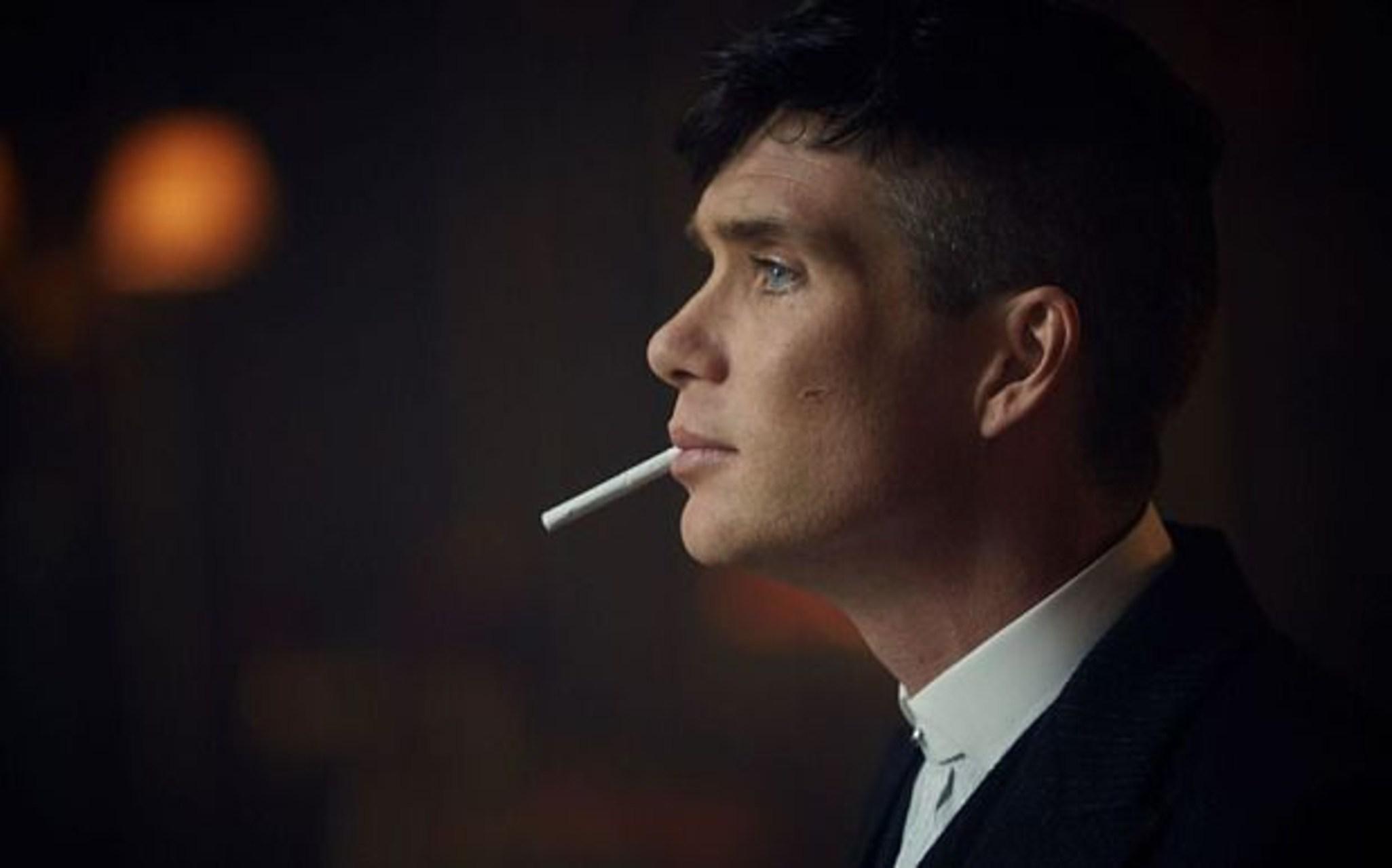 thomas shelby smoking