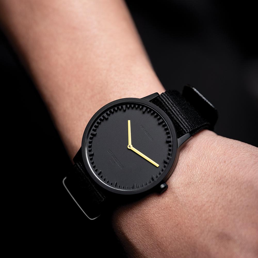 LEFF ADE horloge