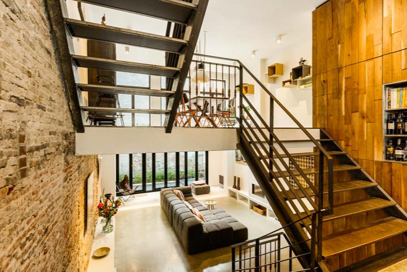 Halve verdieping grachtenpand
