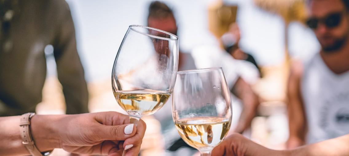 5 Lekkere Wijnen Die Je Bij De Hema Online Kan Bestellen Man Man