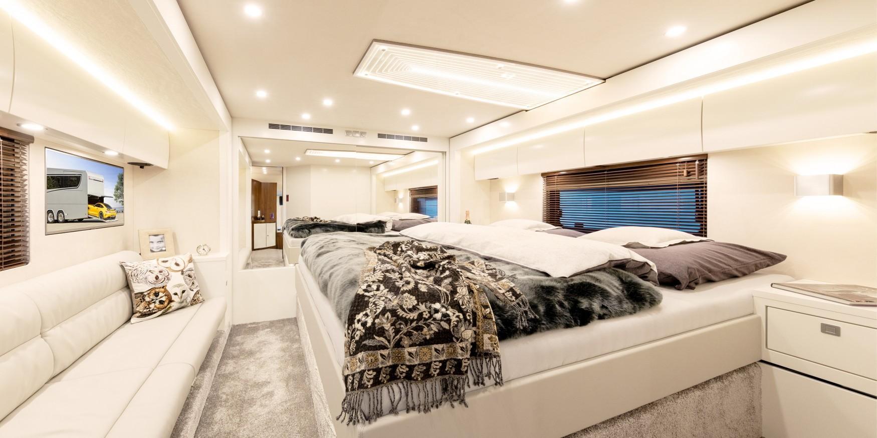 slaapkamer van ruime camper