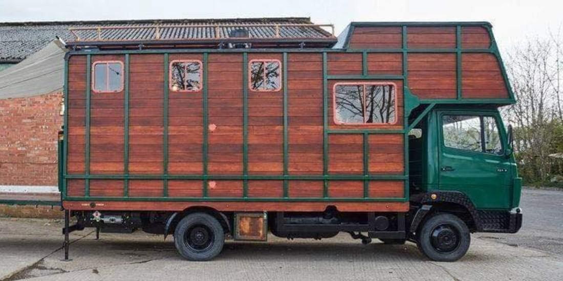 omgebouwde bus tot camper
