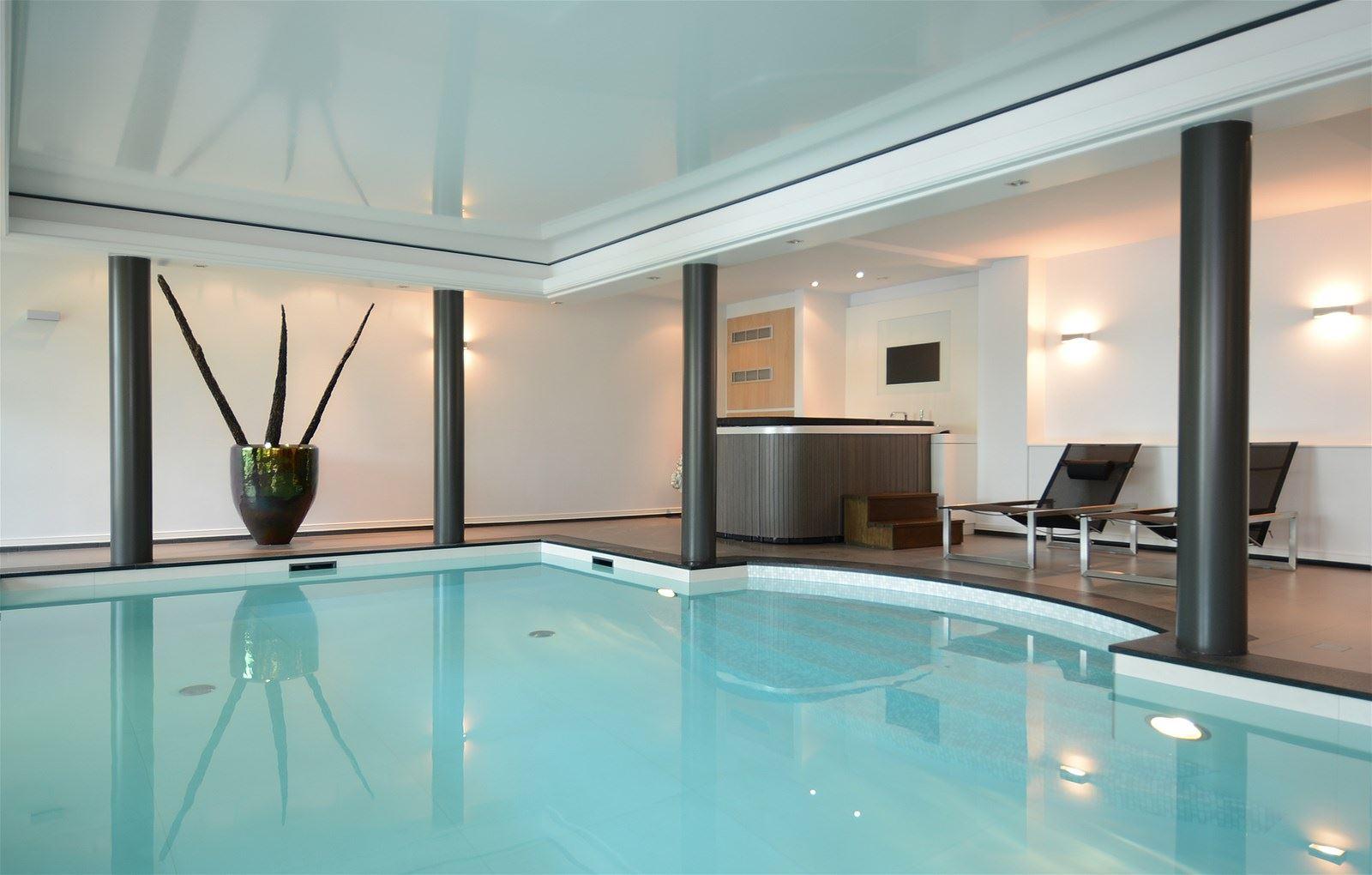 zwembad villa