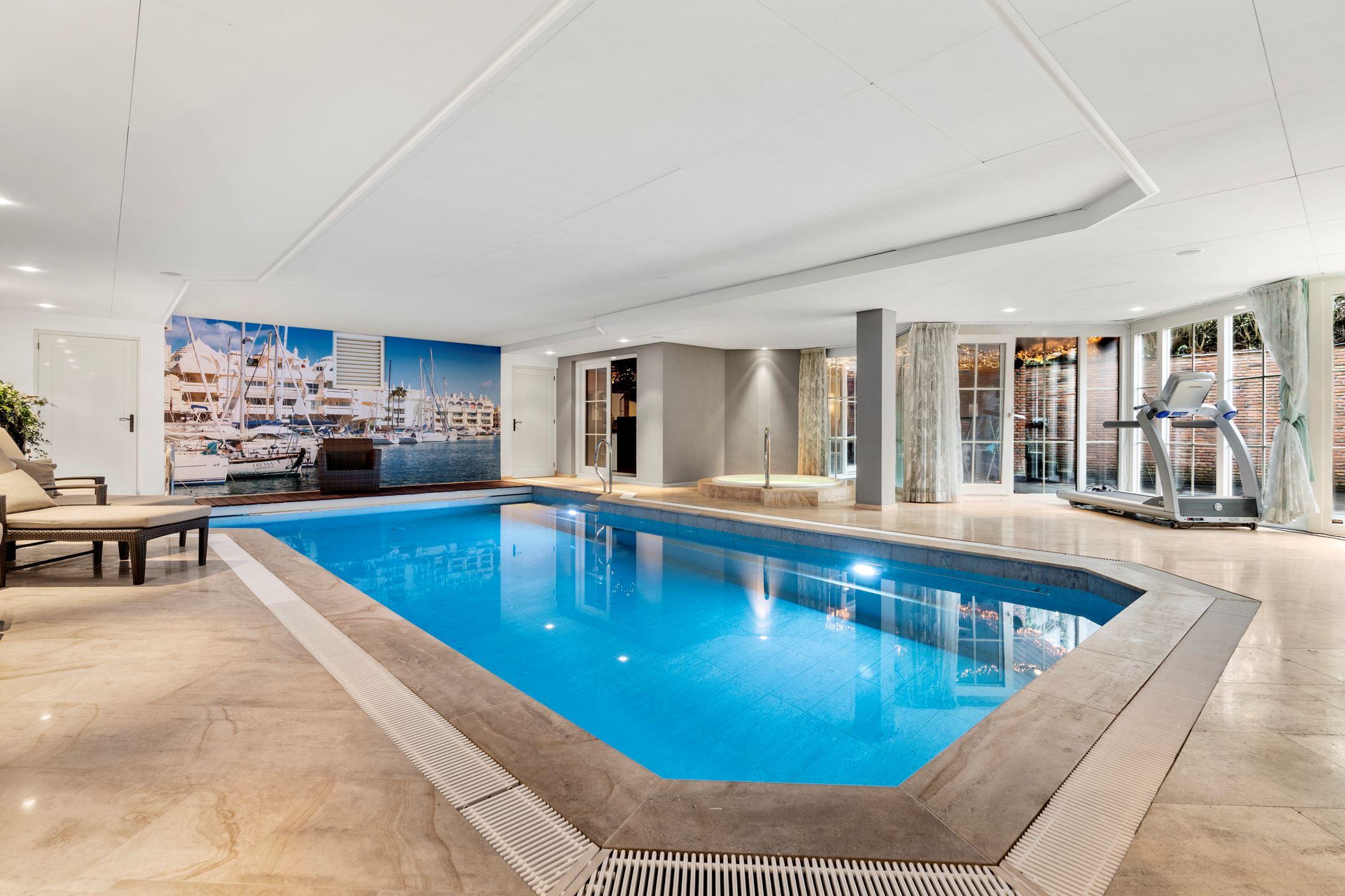 souterain met zwembad miljoenenvilla