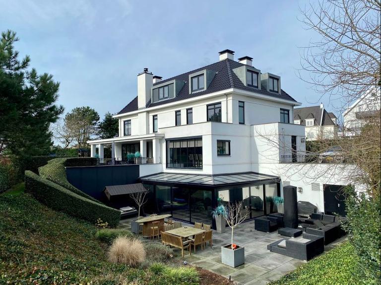 Dirk Kuijt zet zijn 6.9 miljoenenvilla in Noordwijk te koop