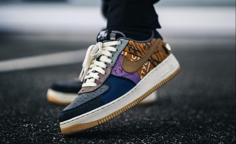 gekleurde sneakers trends 2021