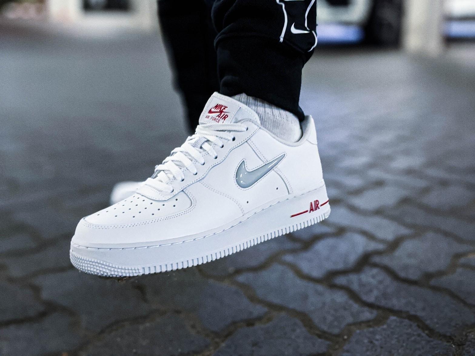 witte sneakers vlekken verwijderen